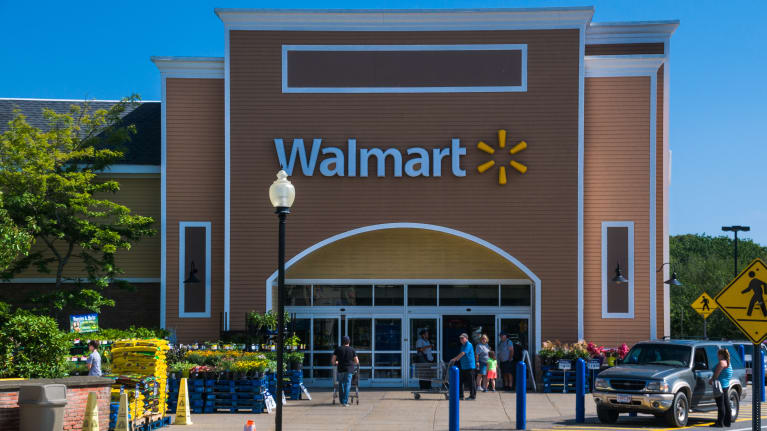 Wal-Mart Loses Perfect LGBTQ Rating Because of Transgender Harassment
