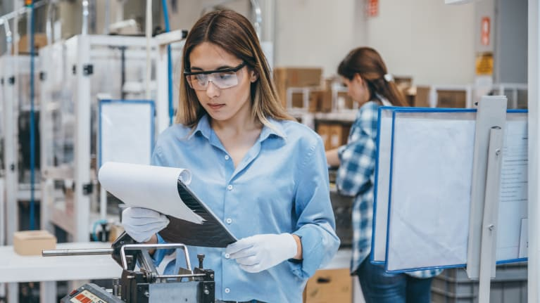 What Manufacturers Need to Know About Employment Law in Canada