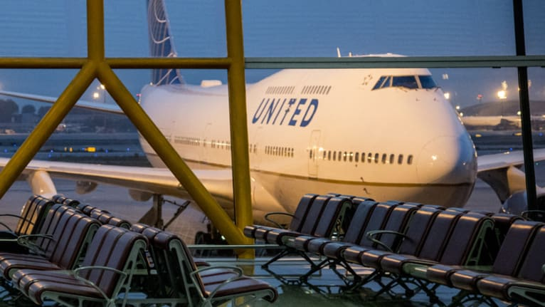 Why United Airlines' Lottery-Based Bonus Idea Fell Flat