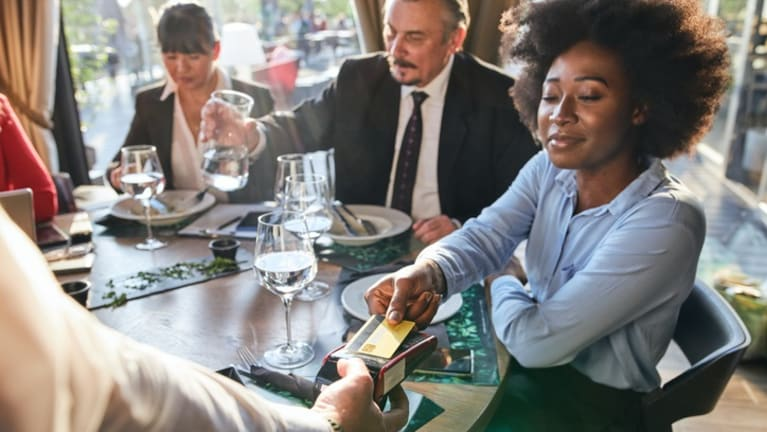 IRS Guidance Clarifies Business-Meal Deductions for 2021 and 2022