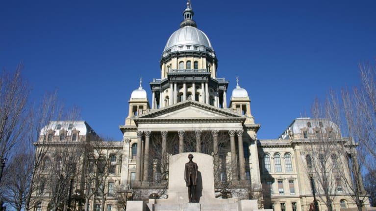New Illinois Laws Change Hiring Practices