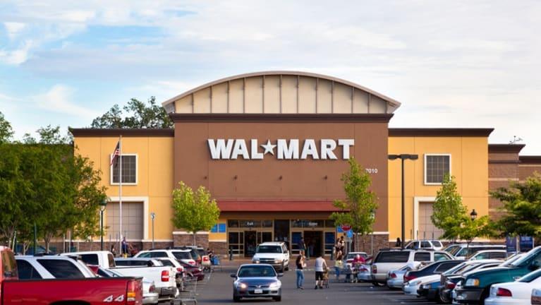 Walmart CEO Asks Congress to Raise Minimum Wage