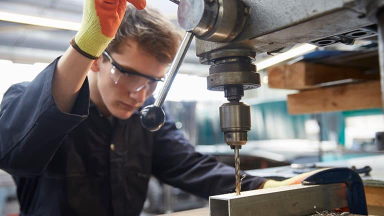 Senators Propose Tax Credits for Employers that Offer Apprenticeships