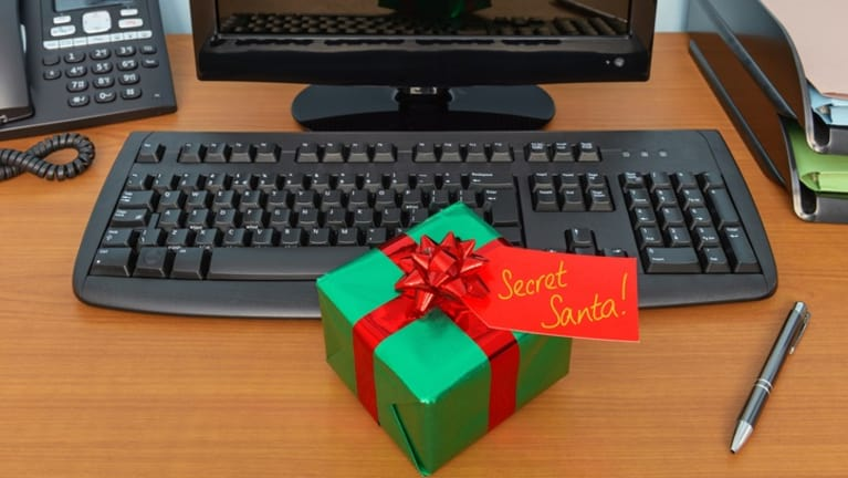 Reminder: Holiday Gifts, Prizes or Parties Can Be Taxable Wages