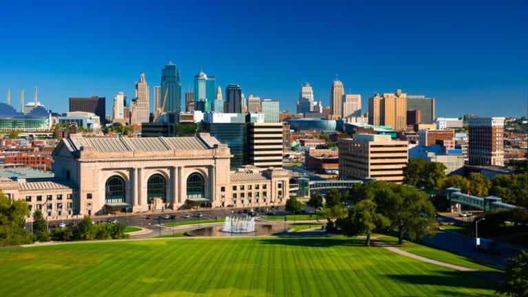Kansas City Approves Salary-History Ban