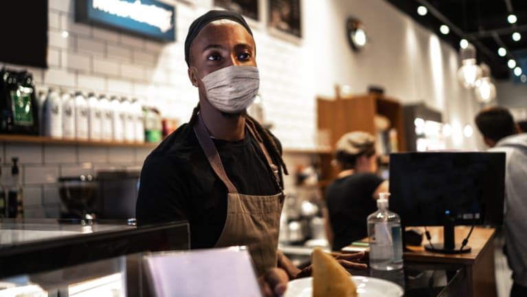 restaurant worker with mask