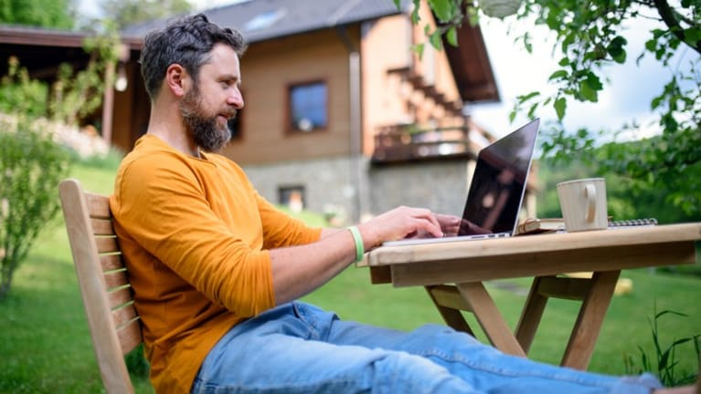 Googles Salary Cuts for Remote Workers Renew Location-Based Pay Debate