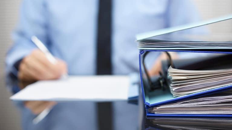 HR Alert: USCIS Reminds Employers to Address Form I-9 Glitch