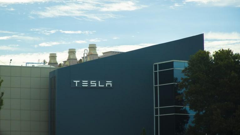 Judge Says Tesla CEOs Tweet Violated Federal Labor Law