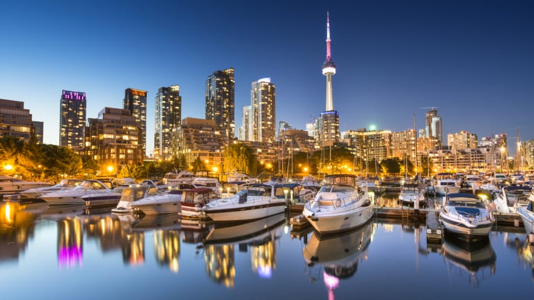 Ontario: Employers Can't Require Applicants to Be Permanently Eligible to Work