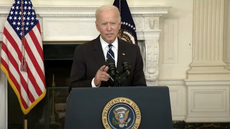 Biden Orders Vaccination Mandates for Larger Employers, Federal Workforce
