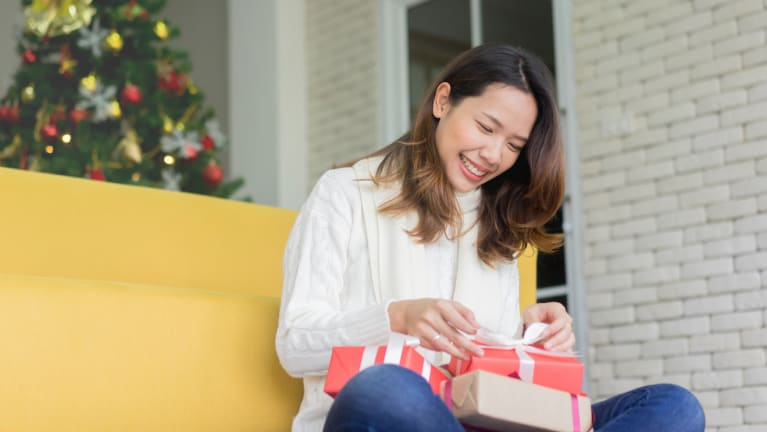 A Gift Guide for Your Employees