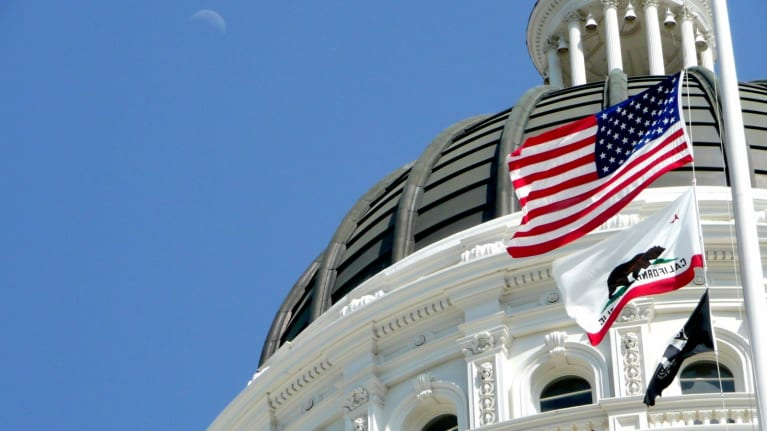 California Lawmakers Aim to Implement Overtime Rule Despite Federal Delay
