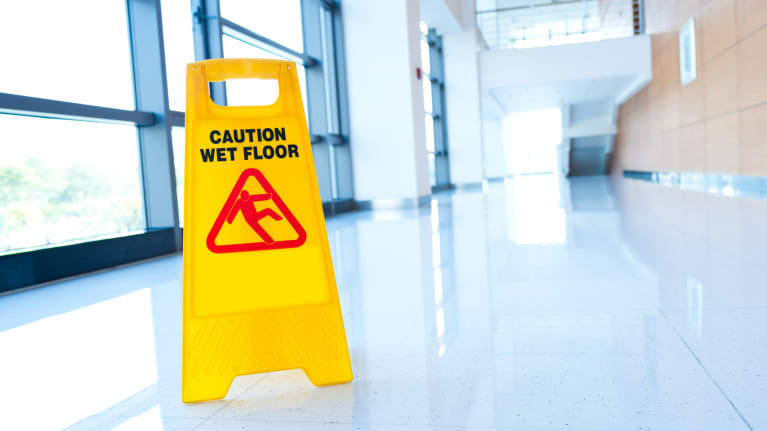 5 common office hazards to prevent