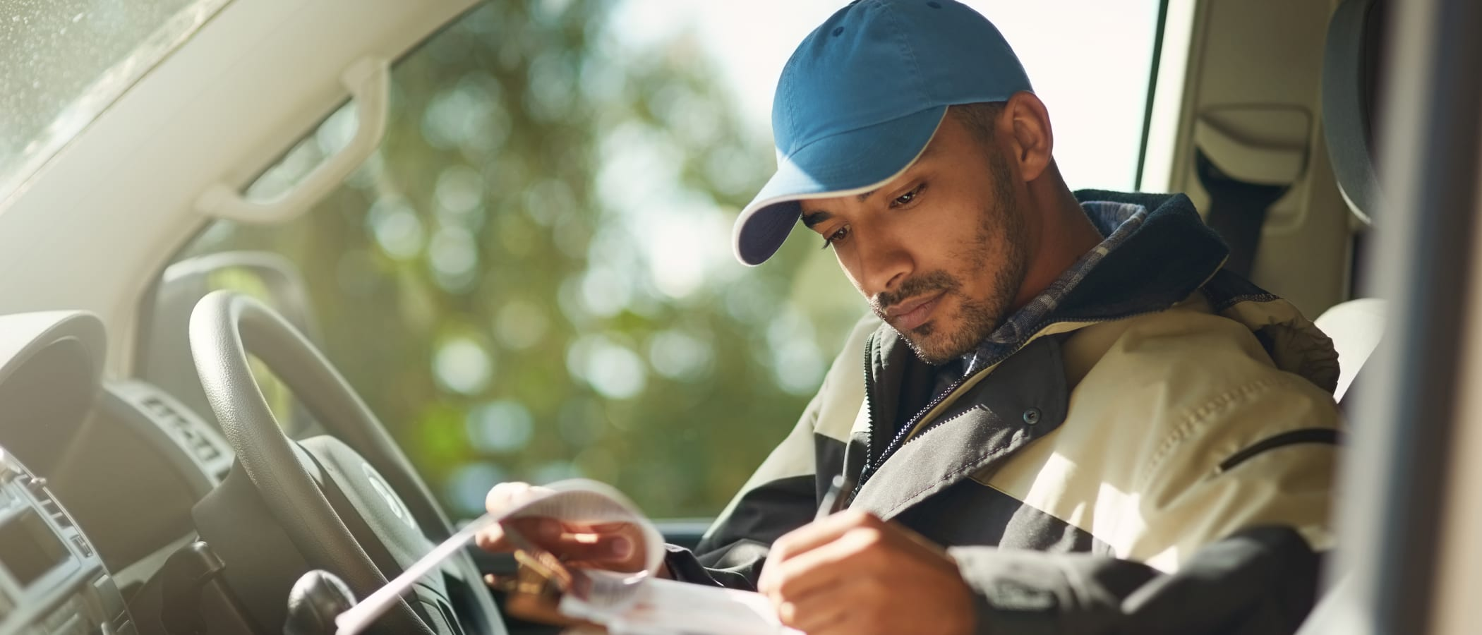 How HR Can Develop a New Generation of Blue-Collar Employees