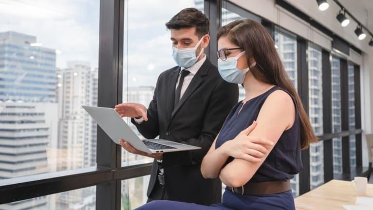 Helping Employees Navigate Health Benefits During Open Enrollment